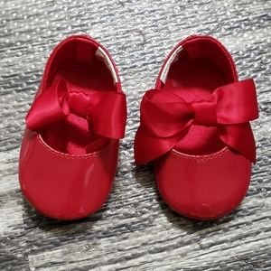 NEW! GYMBOREE SHINY RED BABY DOLL INFANT SHOES
